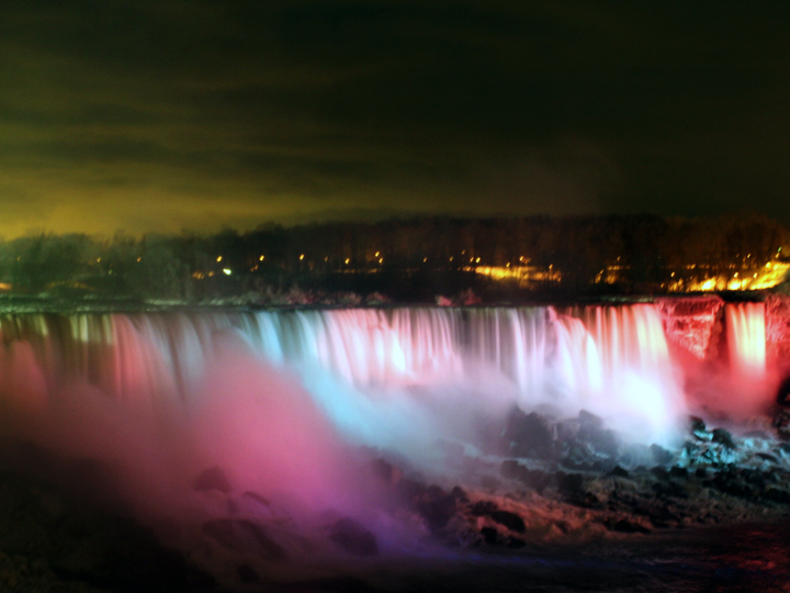 niagara_illumination_720x540_02